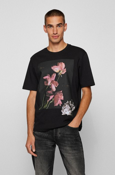 Cotton T-shirt with floral artwork in relaxed fit, Black