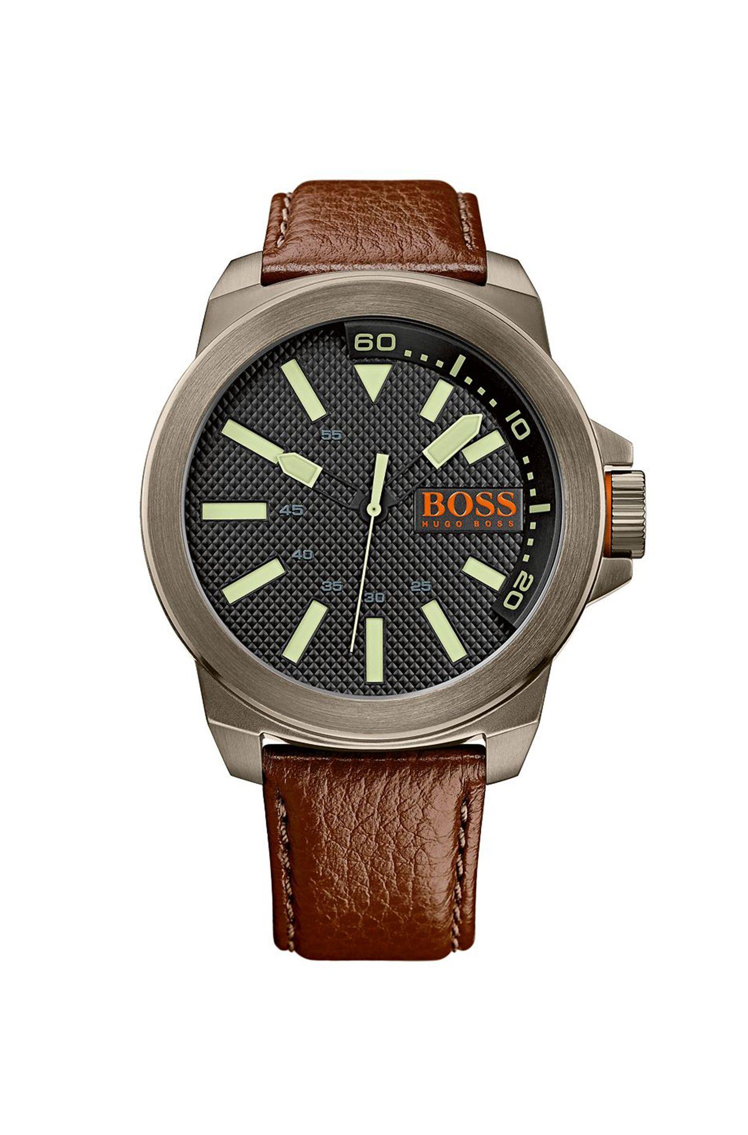 '1513168'   Leather Grained Strap 3-Hand Quartz Watch