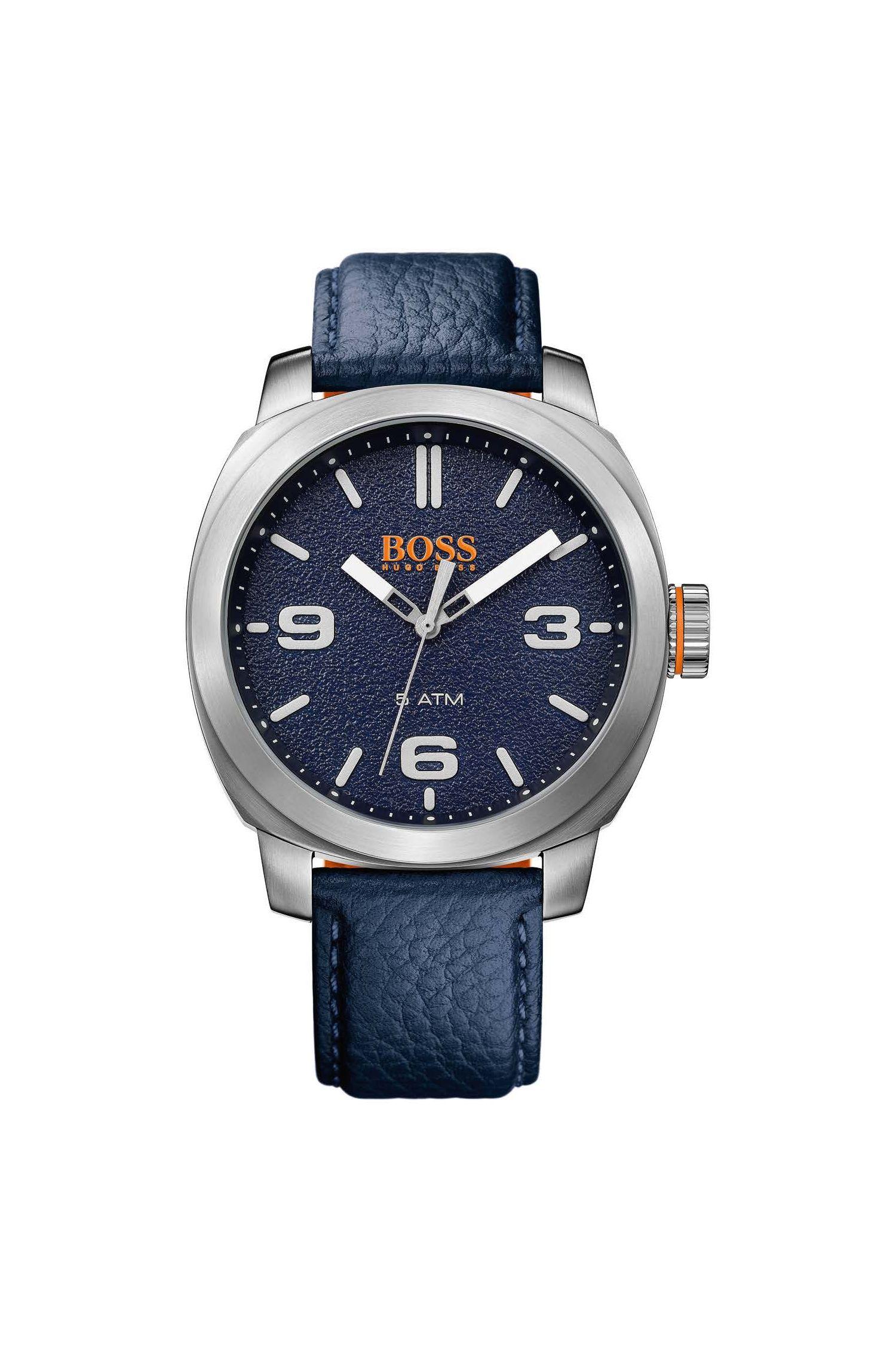 '1513410' | Grained Leather Strap Quartz Watch