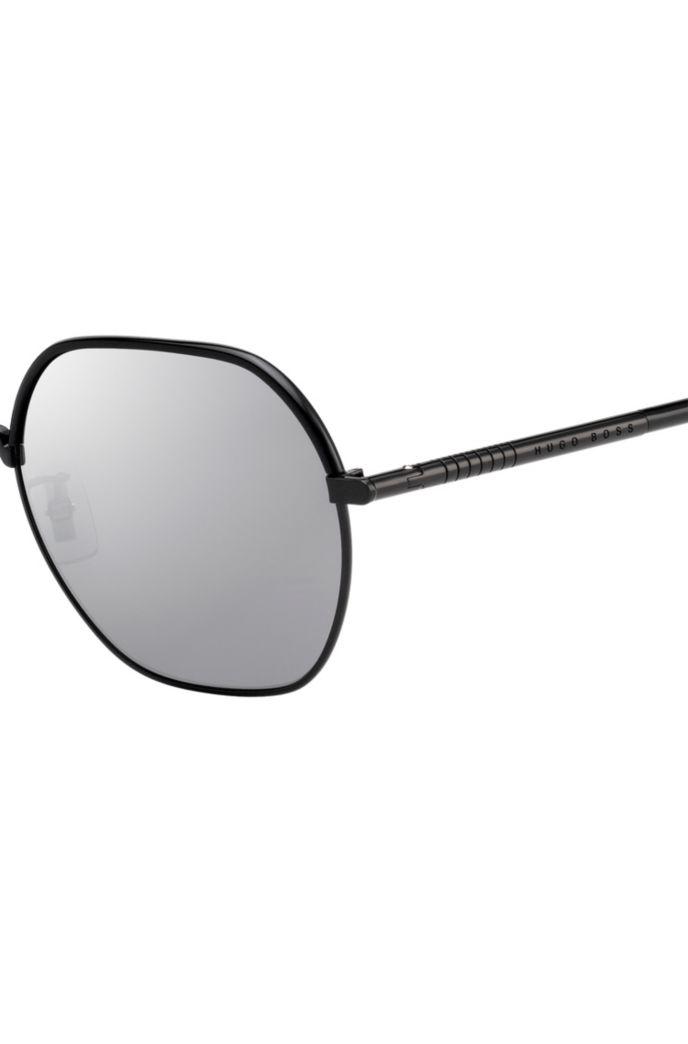 Lightweight sunglasses in titanium with mirrored lenses