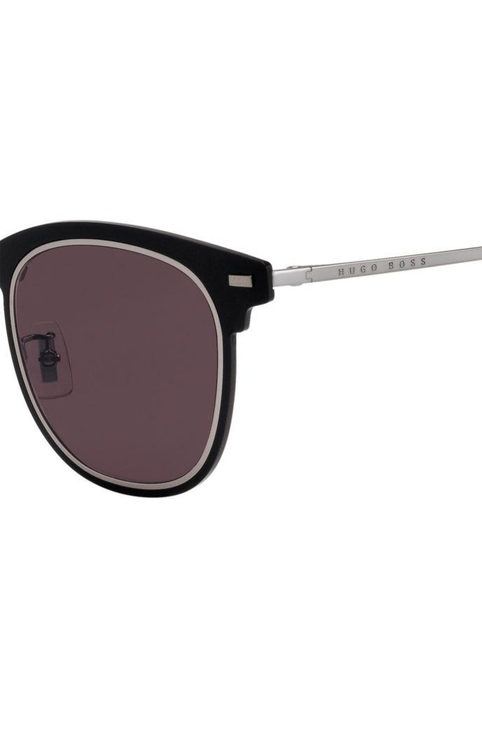 Black sunglasses with double-groove rim