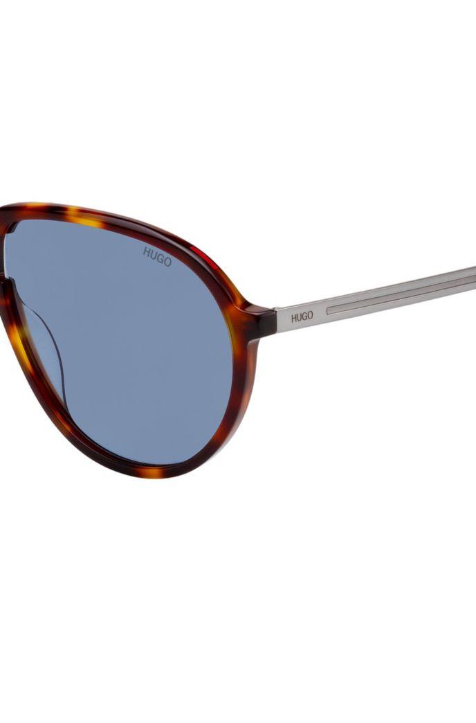 Vintage-inspired sunglasses with Havana frames